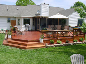 Keep your wood deck clean for a great look